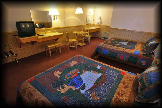 Cooke City Alpine: One of our larger double queen rooms.