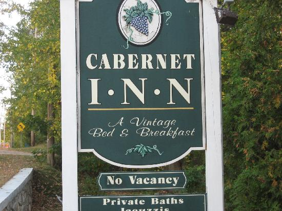 The Cabernet Inn: Cabetnet Inn sign