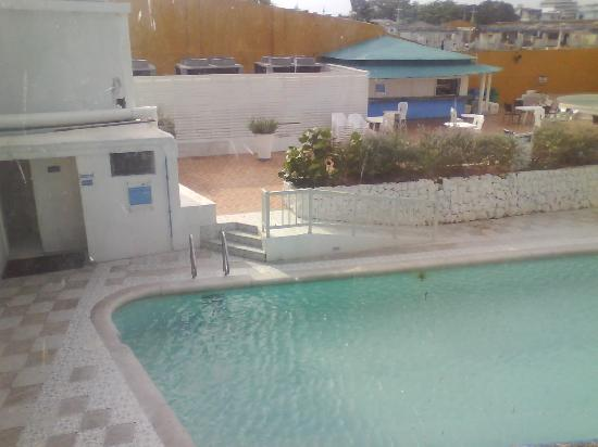 Hotel Blue Tone: piscina