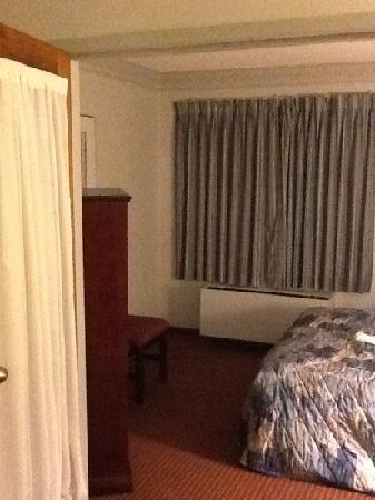 Travelodge Hotel Sudbury : queen suite
