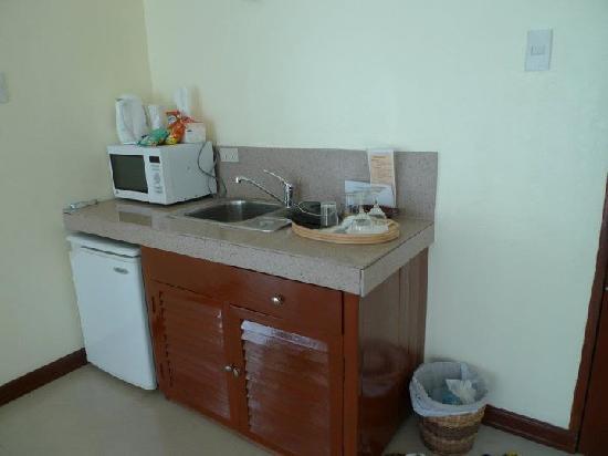 Beachcomber Resort Boracay: Mini kitchen