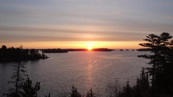 Bear Ridge Guest House: beautiful sunrises