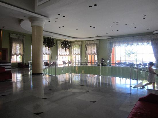 Iberostar Rose Hall Suites: lobby