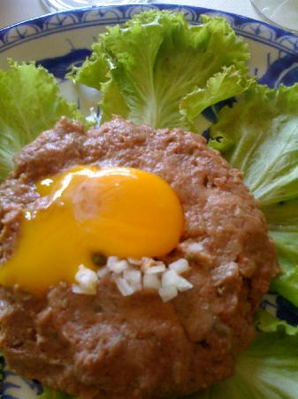 Paris Saigon: steak tartare