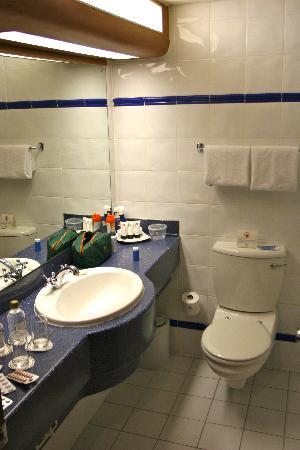 The PortsWood: Bathroom