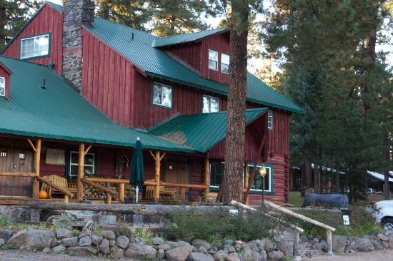 Hannagan Meadow Lodge: Front of the lodge