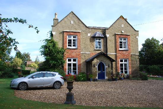 Taylard House: Lovely house in spacious gardens
