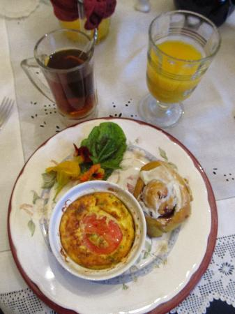 Feller House Bed and Breakfast: Tasty Autumn breakfast
