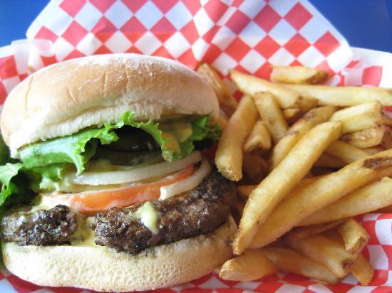 Tasty Burger - Picture of Teddy's Bigger Burgers, Kailua - TripAdvisor