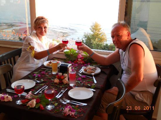 Emir Fosse Beach Hotel: Мой юбилейный стол в ресторане отеля!