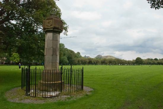 The Meadows: Statue in Meadow Park
