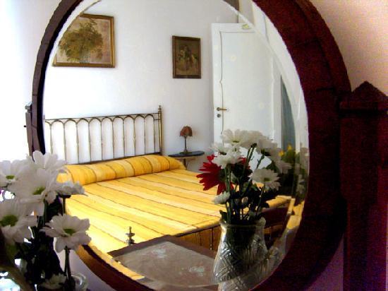 B&B La Rosa e il Peperoncino : camera mimosa
