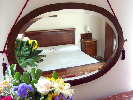 B&B La Rosa e il Peperoncino : camera rosa