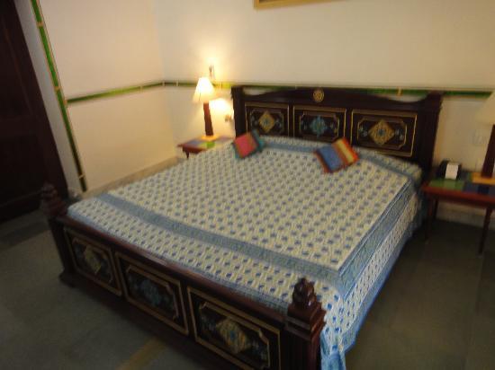 โฮเต็ล ไวมอล เฮอร์ริเทจ: large double bed