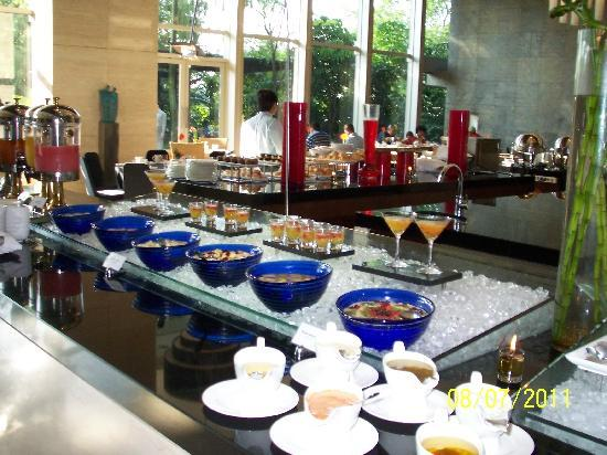 Hilton Bandung: Many options for the breakfast