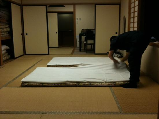 Okunoin Hotel Tokugawa: staff made a bed (futon) for us after dinner