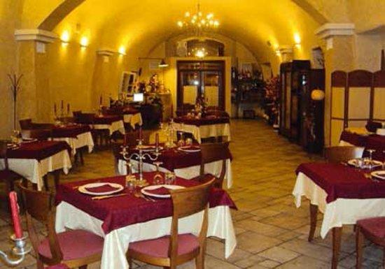 Rionero in Vulture, Italia: Dall'esterno sembra davvero accogliente.. ma il sefizio non lo è...