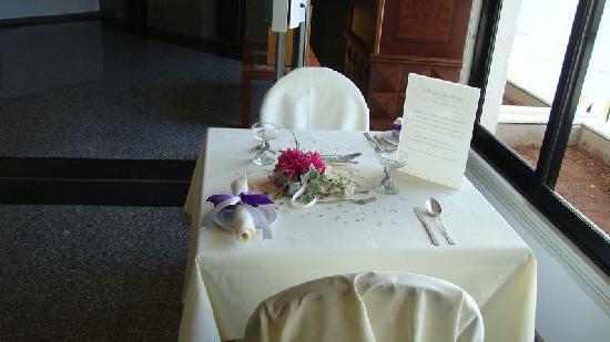 Odessa Beach Hotel: Tsokkos for Luxurious Weddings