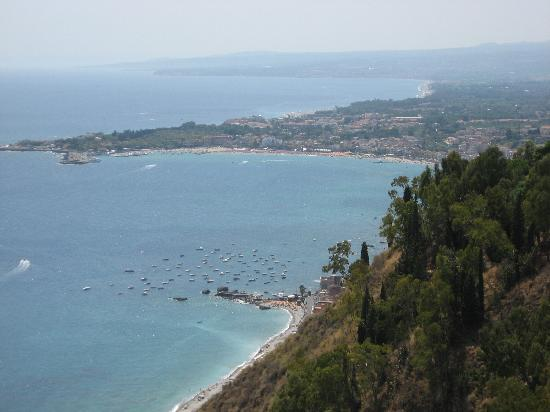 Il mare di scaletta zanclea foto di scaletta zanclea provincia di messina tripadvisor - I giardini di naxos ...