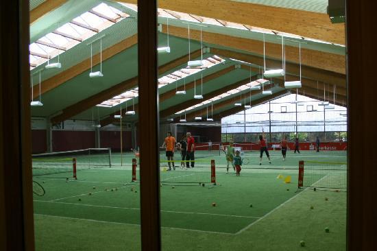 Hotel Sächsische Schweiz: Indoor Tennishalle