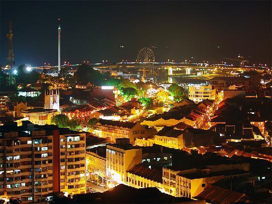 Emperor Hotel Malacca : 同じく高層階シービューからの夜景