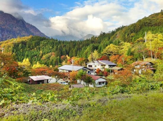 Ryokan Yakenoyu: upperview on yakenoyu ryokan