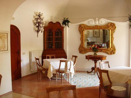 Hotel Palazzo Murat: La sala da thè