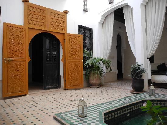 Riad Les 5 Soeurs: ingresso purple room