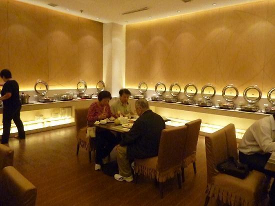Jinxin Hotel: decent breakfast w varieties of dishes