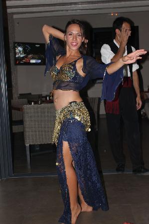 San Antonio Corfu Resort: Dancers
