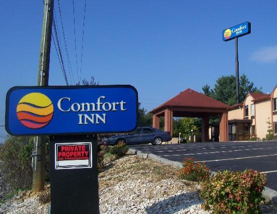 Comfort Inn: Heed the warning sign and drive away!