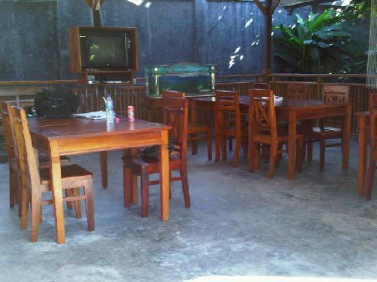 Larantuka, Indonesia: dining area