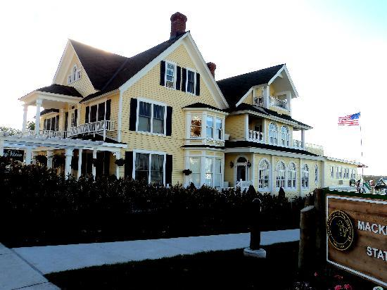 Bay View of Mackinac Bed & Breakfast: Front/Side View