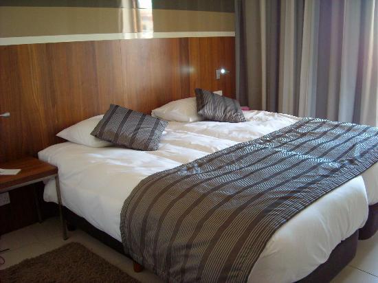 Dolmen Hotel Malta: Refurbished room
