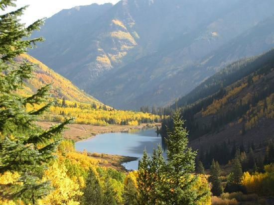 The Innsbruck: Maroon Bells in Aspen