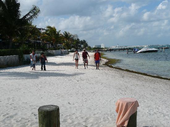 Los Cuates de Cancun: Km 2,5 Hotelzone, Playa las Perlas