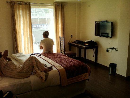 Hotel Fairway: bed room