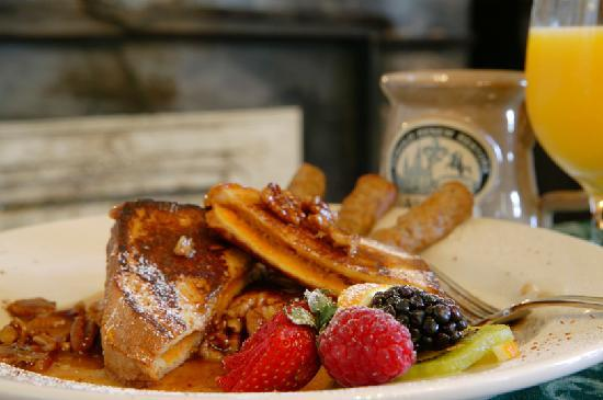 Ashton's Bed and Breakfast: Breakfast - Sweet Potato French Toast with Pecan Honey-Butter