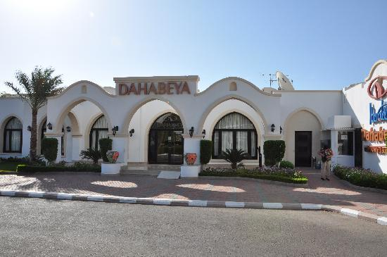 Jaz Dahabeya: main entrance
