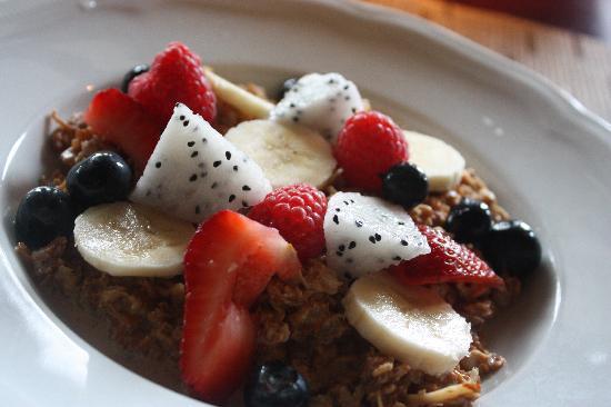 Four Seasons Resort Lana'i, The Lodge at Koele : breakfast