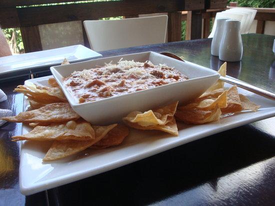 Noah Restaurant & Lounge: Dip de berenjenas