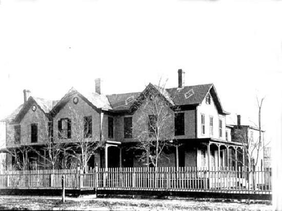 The Quogue Club: Original Hallock House in the 1800's