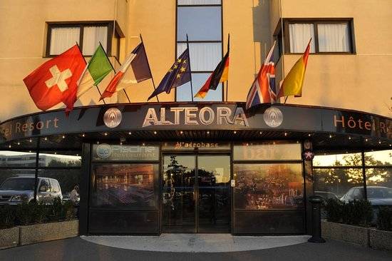 Inter Hotel Alteora site du Futuroscope: L'entrée principale