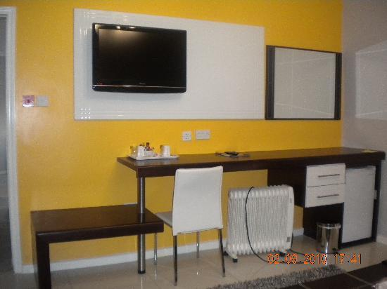 StayWell Executive Suites: Different colour themed executive suite