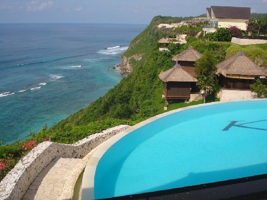 โรงแรมการ์มา กันดารา: from the top to enjoying the paradise :)