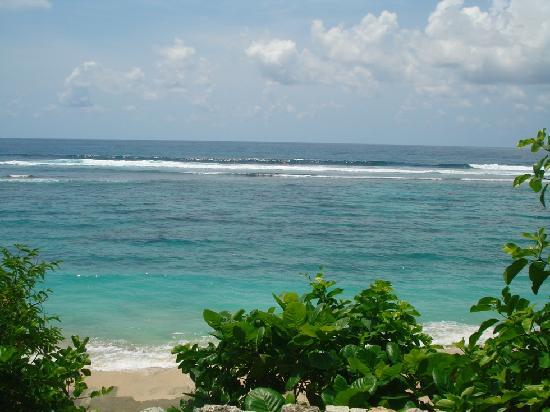 โรงแรมการ์มา กันดารา: Relax and enjoying the sun at the white sands beach :)