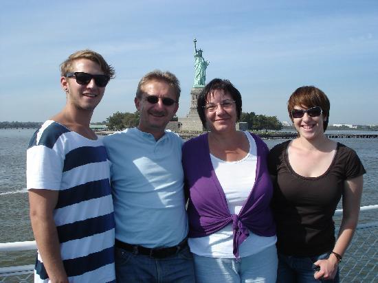 German/English Tours of New York City: Karin Bratone: New York erleben