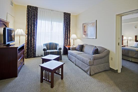 Staybridge Suites Orlando Airport South: Large Suites!
