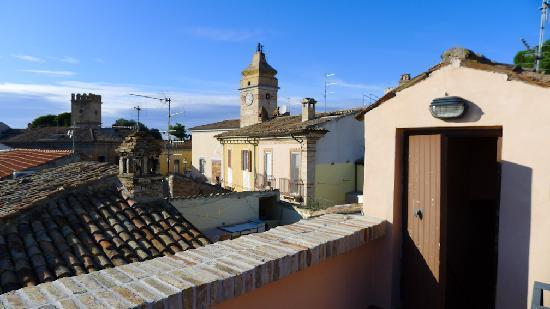 B&B Ottocento: balcony landscape
