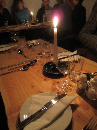 Kenmare, Irland: Lovely ambience in the cozy dining room